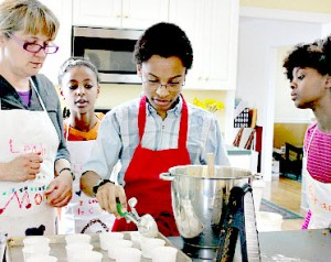 family-baking-time